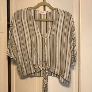 White and grey striped shirt sleeve tee